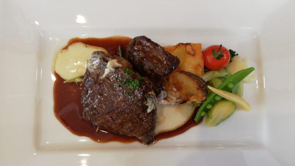 牛ハラミ肉のステーキ